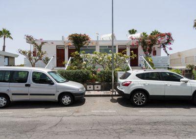 El-capricho-street-side